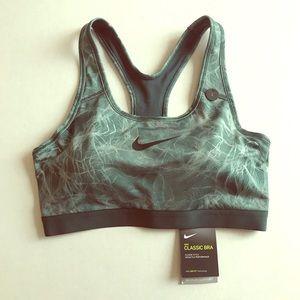 Nike Classic Medium Support Bra Size L